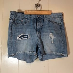 Madewell size 32 perfect distressed  denim shorts